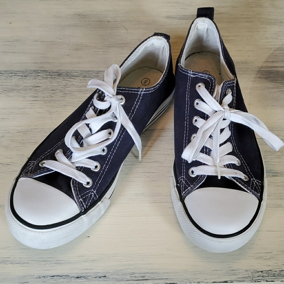 EpicStep Shoes | Navy Blue Size 8 Off